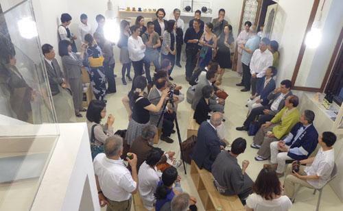 イタリアのバイヤーの皆さんらに京都市伝統産業品の魅力をPR トークショーも開催